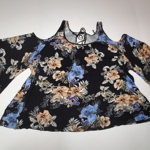🔥FREE🔥Floral off shoulder blouse LG